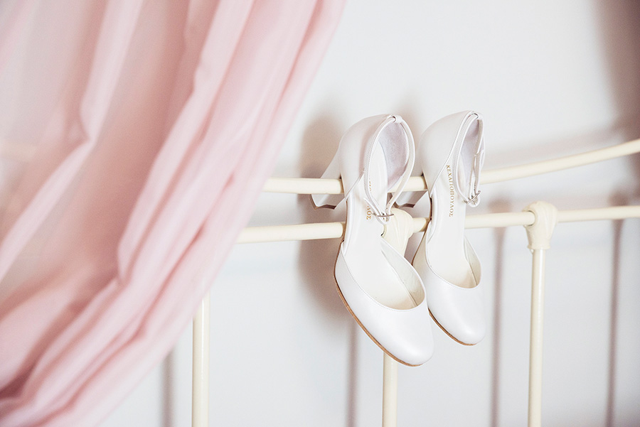 Mansion in Kampos. Bride's preparation. wedding vintage shoes. Bride's and Groom's portrait. Alepa Katerina . Layer Photography