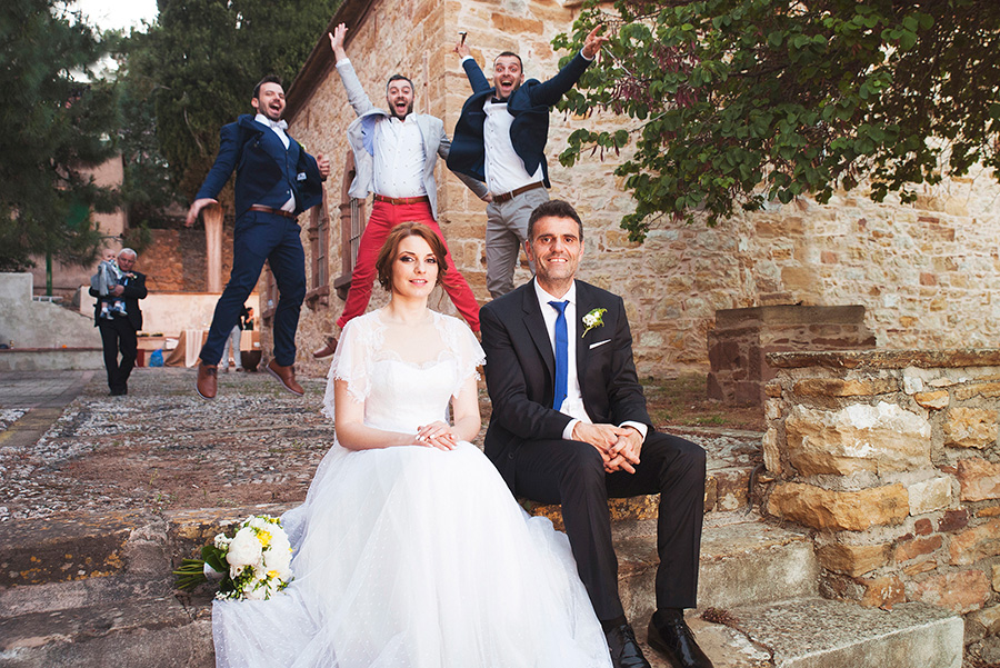 After wedding photoshooting. crazy happy friends. Bride's and Groom's portrait. Chios, Greece. Alepa Katerina . Layer Photography