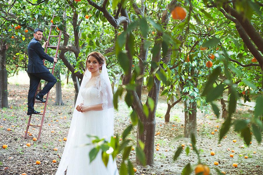 Wedding Photoshooting. orange trees. Bride's and Groom's portrait. Riziko. greek wedding . Chios , Greece. greek island. Couple photoshooting. Love and married. Alepa Katerina . Layer Photography