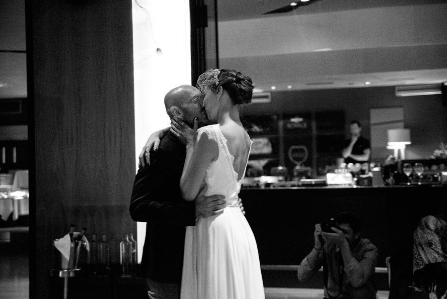 A kiss before the night lasts. Dancing all night. Wedding party. Katerina Alepa . Layer Photography
