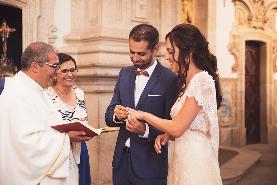 couple portraits, Groom and Bride, wedding vows. wedding rings. Santuário de Nossa Senhora dos Remédios, Shrine of Our Lady of Remedies the cathedral in Lamego.Portugal. Layer Photography. Alepa Katerina