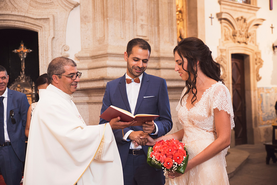 couple portraits, Groom and Bride, wedding vows. Santuário de Nossa Senhora dos Remédios, Shrine of Our Lady of Remedies the cathedral in Lamego.Portugal. Layer Photography. Alepa Katerina