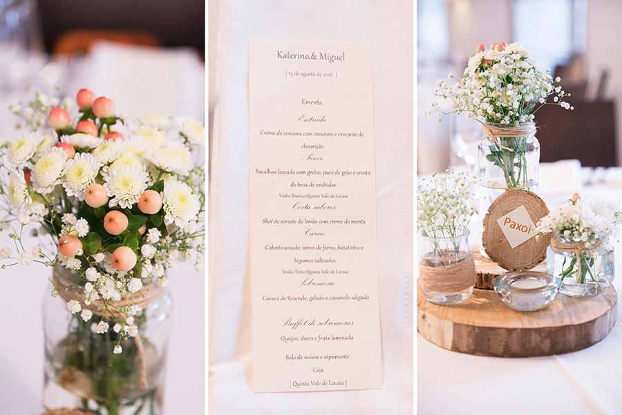 The dinner menu card. flowers. arte della table. Wood, glass. Bride and Groom. Wedding dinner.Quinta Vale De Locaia Lamego . Portugal